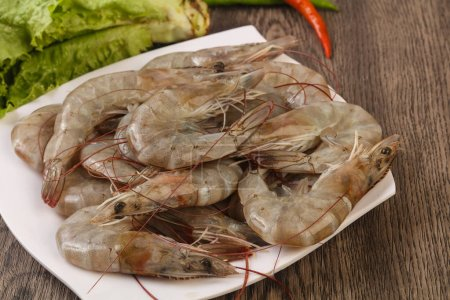 Raw king prawns in the bowl