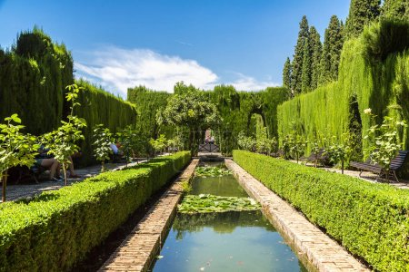 Garden and fountain in Alhambra palace