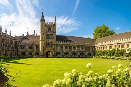 Photo pour Magdalen College, Oxford University, Oxford, Oxfordshire, Angleterre, Royaume-Uni - image libre de droit