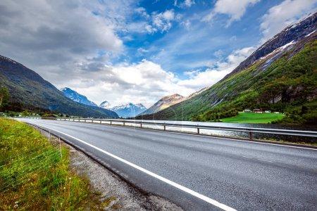 Photo pour Route en Norvège. Belle nature Norvège - image libre de droit