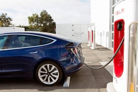 tesla model 3 new electric car