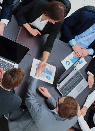Photo pour Business Team réunion Handshake applaudir Concept - image libre de droit