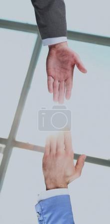 Photo pour Aider les mains et les mains en prière - image libre de droit