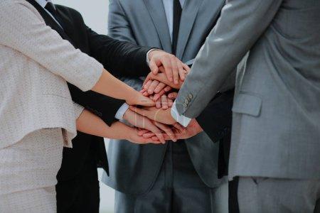 équipe des activités réunissant les mains