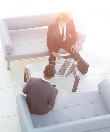 Photo pour Vue du haut .meeting business colleagues.photo avec espace de copie - image libre de droit