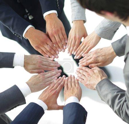 Photo pour Concept de purpose.closeup. mains équipe d'affaires forment un cercle - image libre de droit