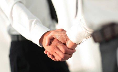 Photo pour Concept d'affaires équipe partenariat salutation handshake - image libre de droit