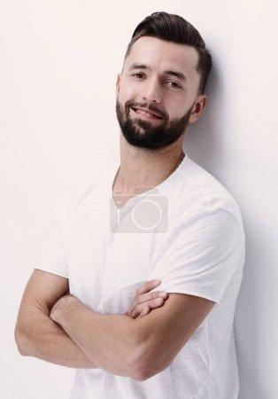 Photo pour Closeup.smiling jeune homme .isolated sur blanc - image libre de droit