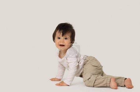 Photo pour Joli garçon isolé sur fond blanc - image libre de droit