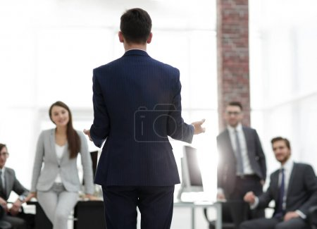 woman is not satisfied with work of her subordinate