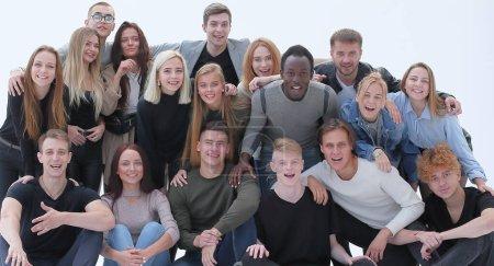 Photo pour En pleine croissance. un grand groupe d'amis s'est réuni. isolé sur fond blanc - image libre de droit
