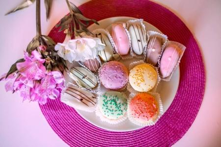 A plate of petits cakes