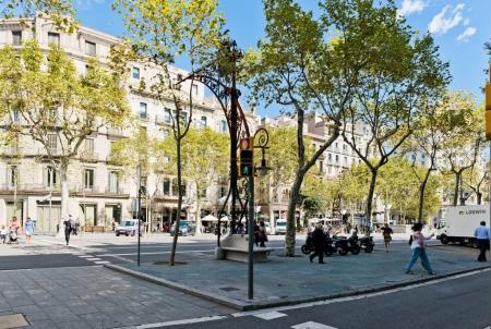 Traffic light at boulevard crosswalk
