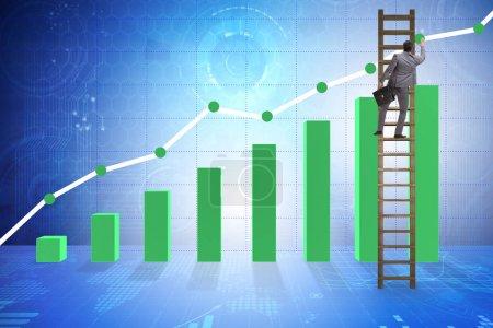 Photo pour Homme d'affaires d'escalade vers une croissance dans les statistiques - image libre de droit