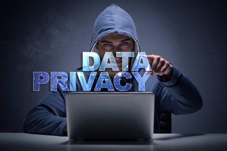 Photo pour Concept de confidentialité des données avec pirate voler des informations personnelles - image libre de droit