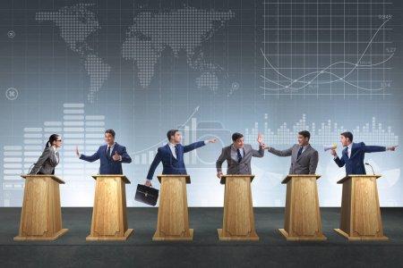 Photo pour Hommes politiques qui participent au débat politique - image libre de droit