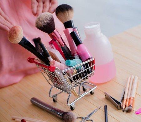 Photo pour Les produits de beauté les outils de soins des ongles pédicure closeup - image libre de droit