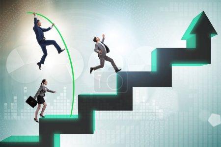 Photo pour Le coffre-fort des gens d'affaires sautant par-dessus les diagrammes à barres - image libre de droit