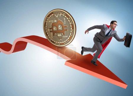 Photo pour Bitcoin poursuite homme d'affaires dans le crash des prix crypto-monnaie - image libre de droit