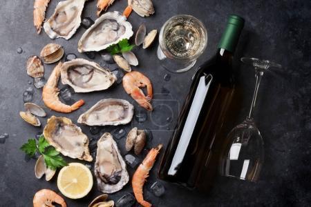 Fresh seafood and white wine