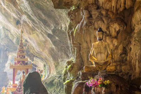 Buddhists temple in Saddar cave
