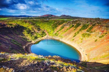 Vulkanische Seen in Island. malerische Landschaft bei Sonnenuntergang.