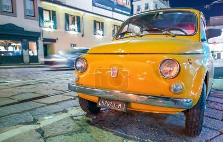 Старый Фиат 500 автомобилей