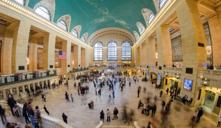 Tourists and Shoppers in Grand Central, New York City