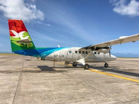 Mahe', Seychelles - 4 septembre 2017: petits aéronefs Air Seychelles sur la piste. La compagnie opère des vols entre les îles