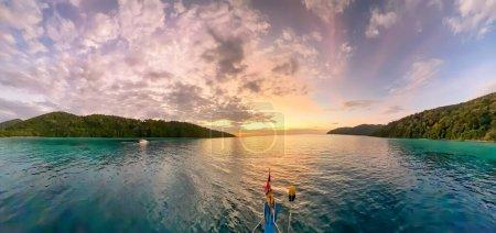 Photo pour Vue imprenable sur les îles Surin, Thaïlande. Vue panoramique. - image libre de droit