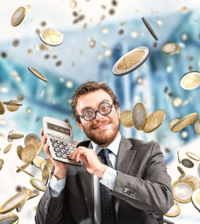 Photo pour Homme d'affaires financier étonné par la richesse et le succès - image libre de droit