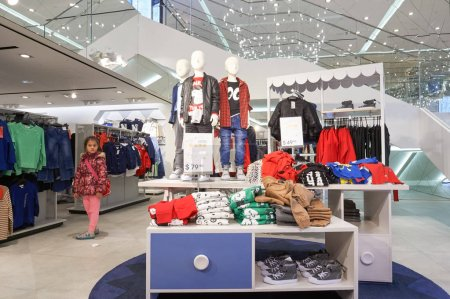 H and M children store