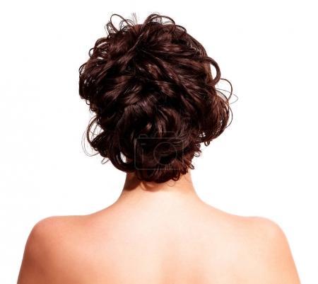 Photo pour Gros plan de la femme avec coiffure de style, isolé sur fond blanc - image libre de droit