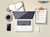 Grafický design notebooku, šálek kávy, notebook, smartphone, brýle a počítač myš na stole v topview