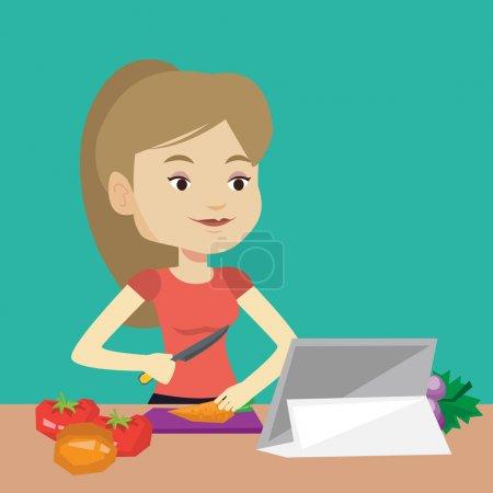 Illustration pour Jeune femme coupant des légumes pour la salade. Femme caucasienne suivant la recette de salade de légumes sur tablette numérique. Femme cuisine salade de légumes sains. Illustration vectorielle de design plat. Aménagement carré - image libre de droit