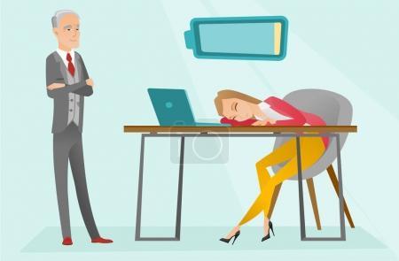 Illustration pour Jeune employé blanc caucasien épuisé dormant sur le lieu de travail tandis que l'employeur la regarde. Travailleur de bureau surchargé dormant après une dure journée de travail. Illustration vectorielle de dessin animé. Mise en page horizontale - image libre de droit