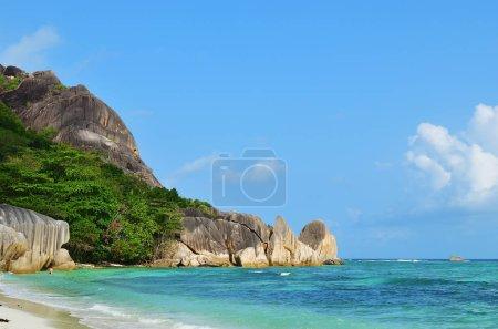Photo pour Plages rocheuses de granit sur les îles Seychelles, La Digue, Source D'Argent plage - image libre de droit