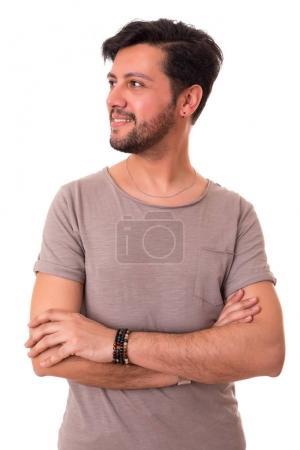 Photo pour Studio photo d'un jeune et bel homme posant isolé - image libre de droit