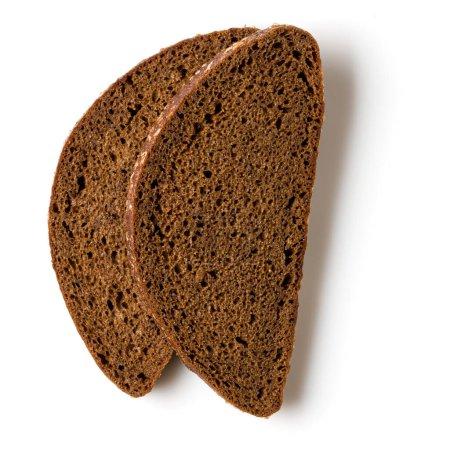 Photo pour Tranches de pain de seigle isolées sur fond blanc. Couché plat, vue du dessus .. - image libre de droit