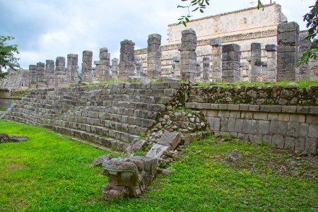Photo pour Ruines du Chichen-Itza au Yucatan, Mexique - image libre de droit
