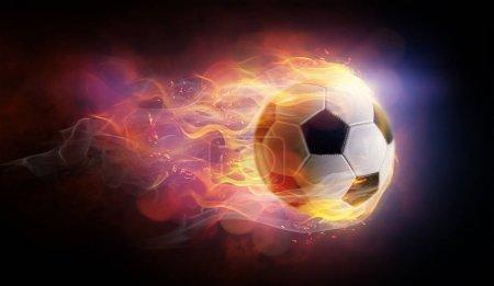 Photo pour Ballon de football symbole flamboyant lumineux sur le fond noir . - image libre de droit