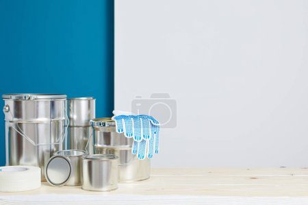 Accessories for painting walls