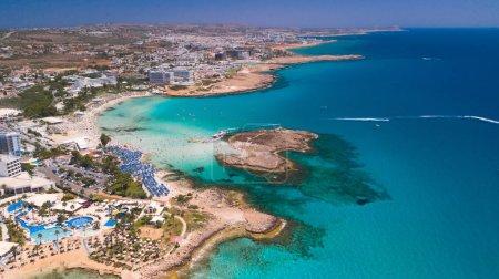 Photo pour Nissi beach Agia Napa Chypre aerial - image libre de droit