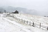 """Постер, картина, фотообои """"дом в зимних горах"""""""