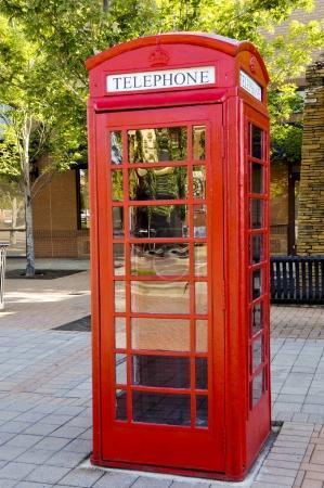 Photo pour Vintage cabine téléphonique utilisé avant l'âge de téléphones cellulaires - image libre de droit