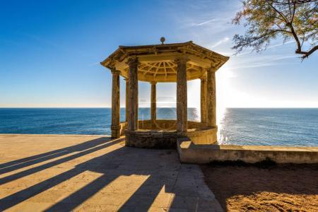 Photo pour Belle aire de repos sur la Costa Brava, près du village de vacances petite Sagaro, Pays Espagne. - image libre de droit