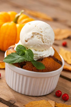 pumpkin cake with ice cream