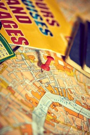 Photo pour Pin marquant les points d'itinéraire sur la carte - image libre de droit