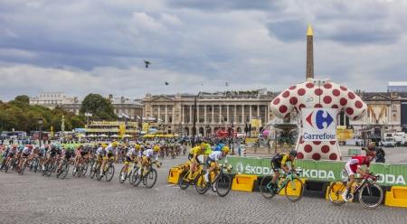 The Peloton in Paris - Tour de France 2017