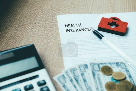 Photo pour Idée concept politique de vie et d'assurance-maladie. Finance et assurances. - image libre de droit